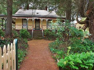 Award Winning 'Glen Isla' - Blue Mountains, Wentworth Falls