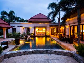 VILLA ROUGE II- Amazing Luxury 4 Bedroom (+1) Villa in Cherngtalay, Phuket (Laguna)