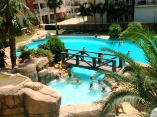 Apartment Overlooking Pool ( Las Gondolas )