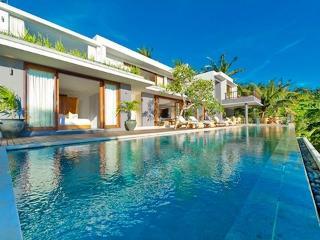 Malimbu Cliff Villa, Tanjung