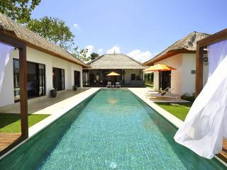 Nice Villa Amaury 4 bd, Ungasan