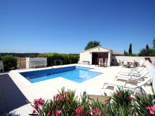 1339 Provence villa with solar heated pool, Puyricard