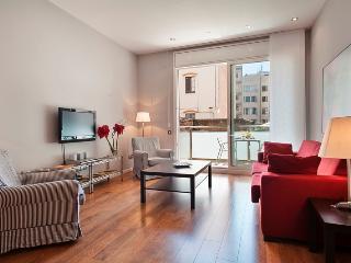 Passeig de Gracia - 1 bedroom apt with balcony, Barcelona