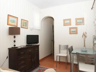 Charming Apartment near Beach Front w/ barbecue, Costa da Caparica