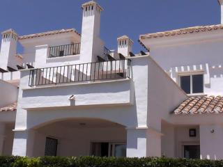Luxury Town-House overlooking large swimming pool, 2 tennis courts and Le Torre Golf Course