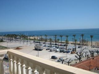 Paseo Maritimo con vistas al mar