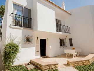 Holiday home in Vale do Lobo, golf nearby and beach is just a five minute walk