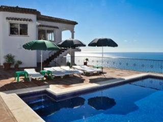 Villa 'Mava' - Sunny Terrace, BBQ, Own Pool & Great Sea View