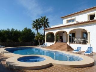 4 bedroom 3 bathrooms private pool Luxury Villa, Altea