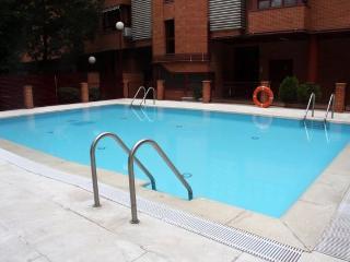 Alegre atico con piscina
