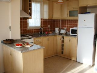 Fully equipped kitchen, for those who wish to dine at home.