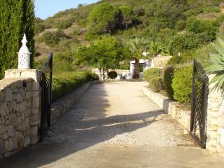 Drive down to the villa