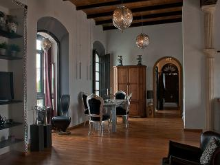 Loft Apartment Amadeus: Dar Cilla Guest House Apartments