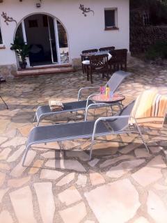 Relax and sun bathe