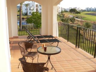 Apartment in Hacienda Riquelme Golf Resort, Relaxing Views + next to pool