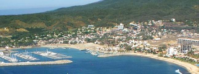 New La Cruz marina and restaurants