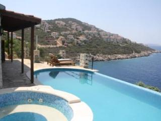 Deniz (villa by the sea)