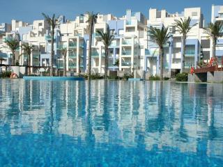 Alquiler de 2 apartamentos a pie de playa y golf, Roquetas de Mar