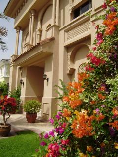 Xanadu front garden