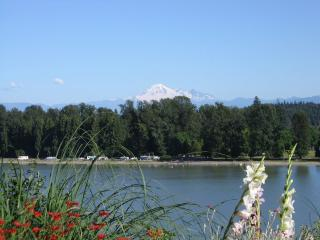 Fraser Riverview Holiday Apart, Maple Ridge