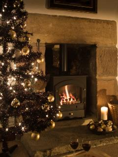 Celebrate Christmas in style with your loved ones at Candlelight Cottage.