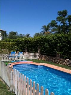 Private Pool with Safety Fence, this is very useful if you have young children.
