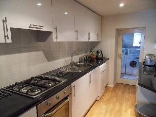 High spec fully fitted kitchen!