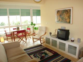 Beach, Surf & Lisbon - Costa Caparica Apartment, Costa da Caparica