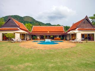 Tha Lane Bay Villa; Sea Front Private Pool, Ao Nang