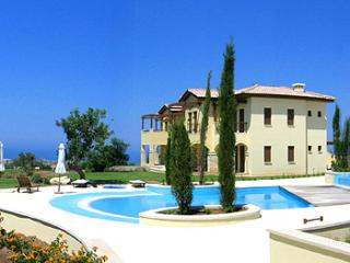 Aphrodite Hills Frontline Golf & Private Garden Apartment