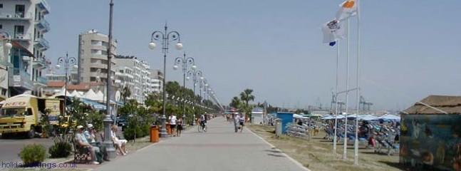 Finikoudes Promenade, Larnaca