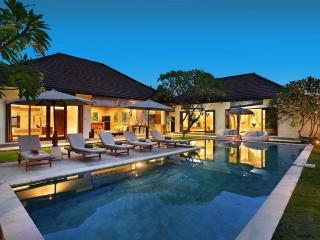 Umalas Villa VR 4 Bedrooms, Bali