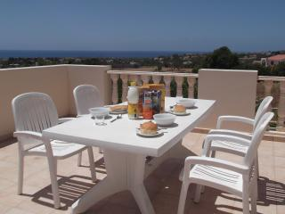 LARGE PATIO WITH SEA VIEW. FREE WI-FI. ALL UK TV CHANNELS. FROM L35 PER NIGHT.