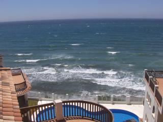 BEACHFRONT PENTHOUSE APARTMENT WITH LARGE TERRACE, Sitio de Calahonda