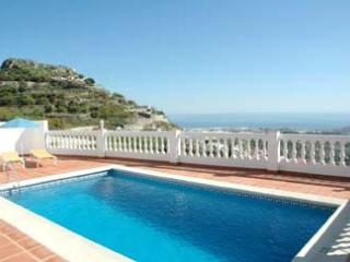 Near Nerja, Villa Arabe, Stunning views, pool, Frigiliana