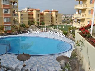 Spacious Apt Winter Gardens, Golf del Sur