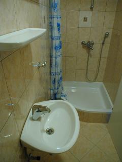 Bathroom - Apartment 2