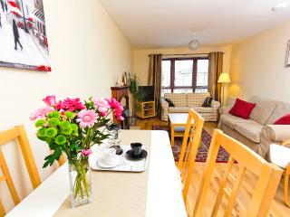 Central 3 bedroom apartment, Edimburgo