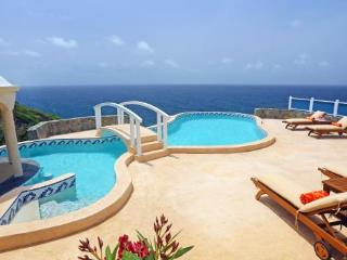 Private 4 bedroom, 4 bathroom villa that enjoys uninterrupted views out to sea, Cap Estate