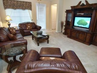 5036SL-306. 3 Bedroom 2 Bathroom Executive Condo in Vista Cay