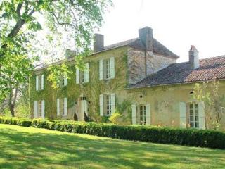 Lamarque - secluded and romantic 18th-century manor house