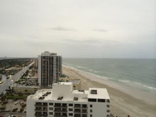 Incredible Beach and River Views - Peck Plaza 20NW, Daytona Beach