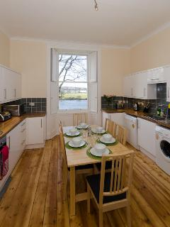 Springbank Top Apartment Kitchen Diner