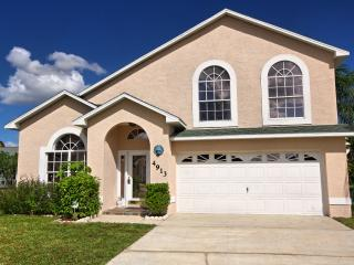 5 Star Tennyson Villa in Kissimmee, 7 Min to Disney with Pool & Gamesroom - WiFi