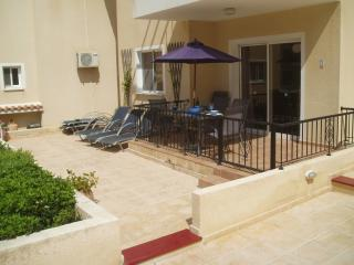 Private sunbathing terrace with five sunbeds