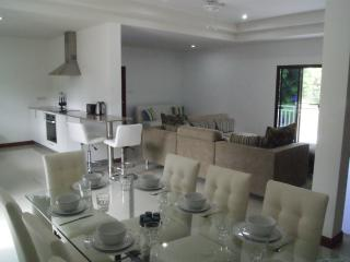 Center of the villa is open plan and separates the two bedroom areas.