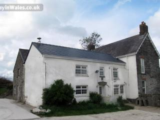 Pentwd Uchaf Holiday Farmhouse, Cardigan