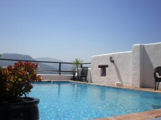 Casa Los Petates, the perfect place to unwind!, Colmenar