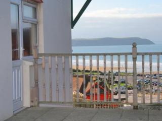 5 Narracott minutes to the beach and village with sea views