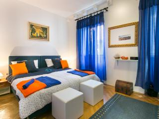 Blue Symphony Old Town - Three Bedroom Apartment